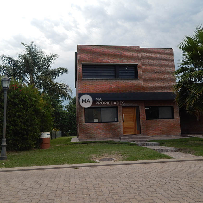 Funes Hills Miraflores Casa Lote 233