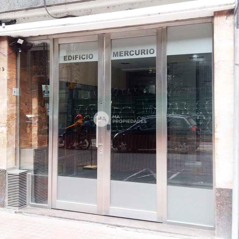 Corrientes  700